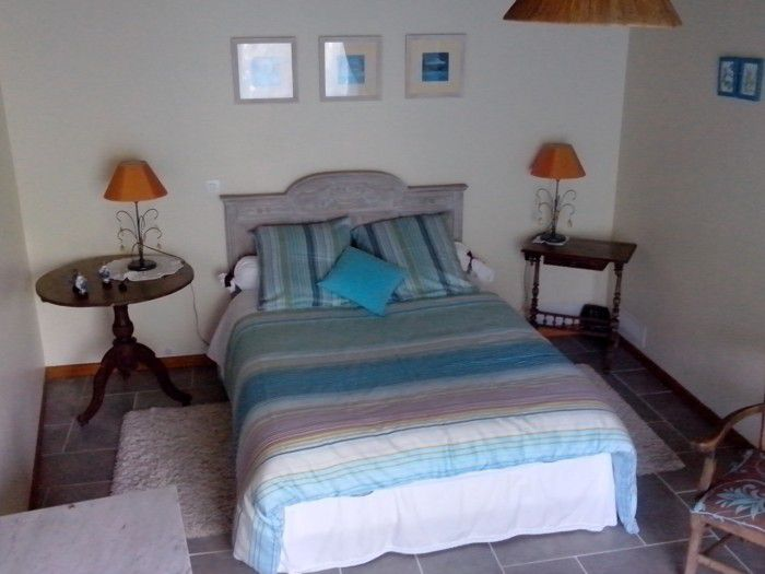 chambre turquoise la ouedolle. Black Bedroom Furniture Sets. Home Design Ideas